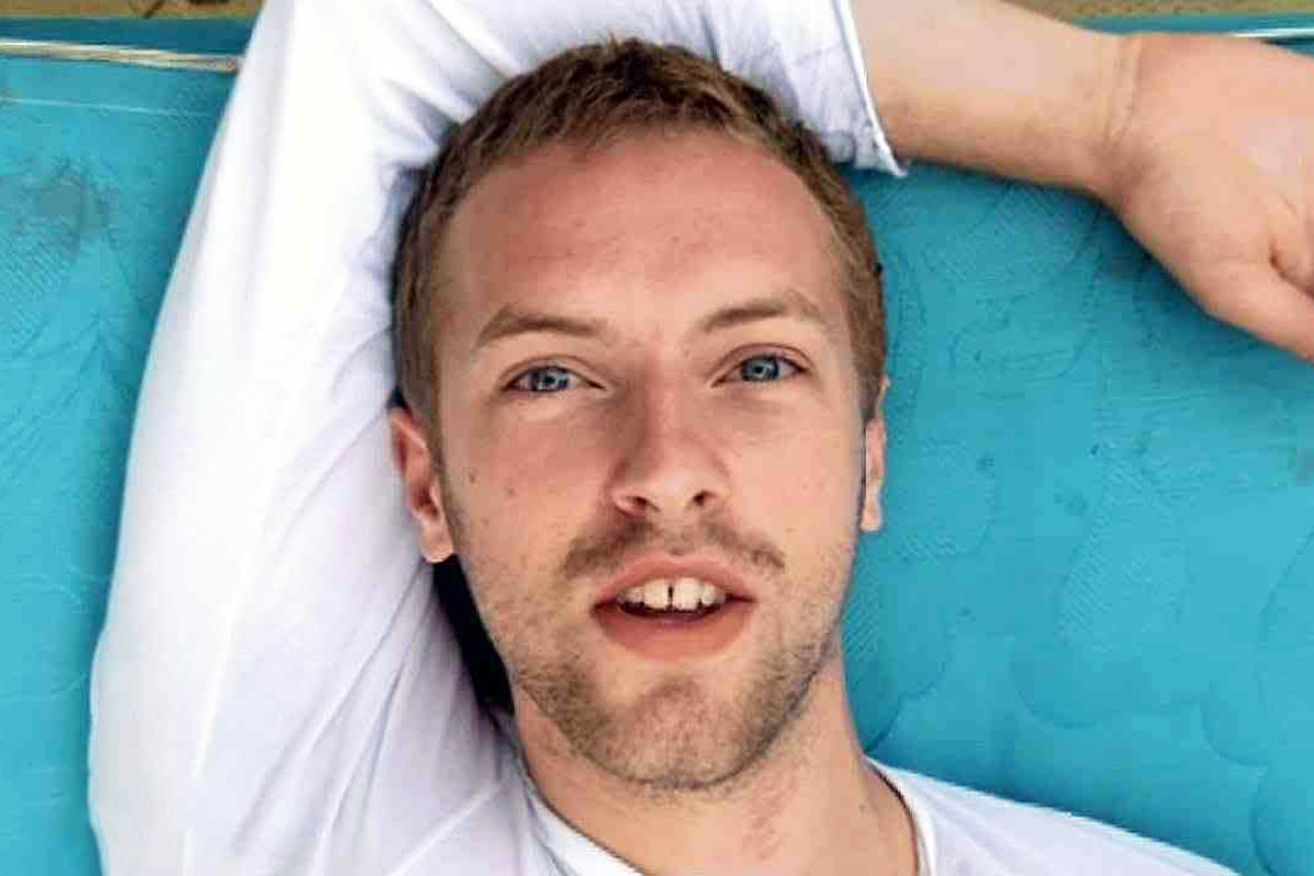Chris Martin in the video for The Scientist