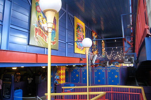 Boring Simpsons Ride Queue