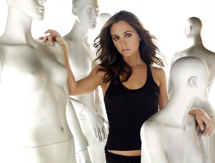 Eliza Dushku cavorting with blank manequins.