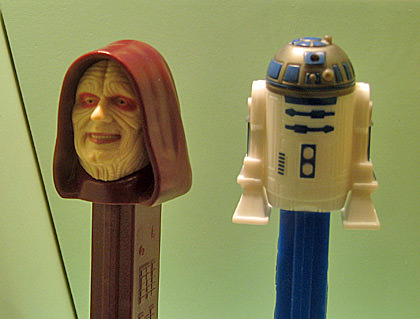 Emperor Palpatine and R2D2 PEZ