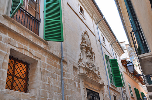 Palma Building Carvings
