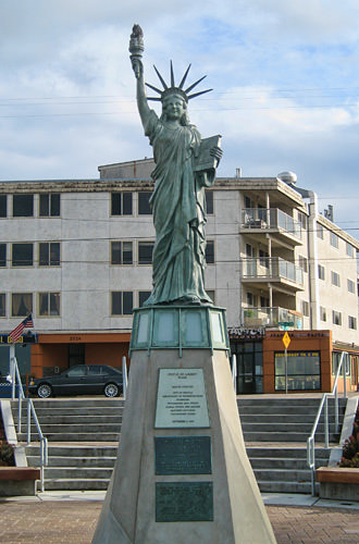 Alki Statue of Liberty Mini Replica