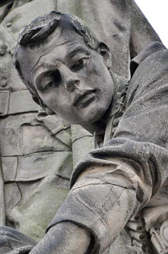 Edinburgh Statue