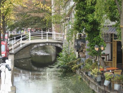 Pretty Delft Canal