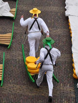 Cheese Runners of Alkmaar