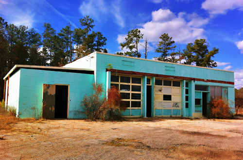 Abandoned Pretty Blue Building in Woodbury