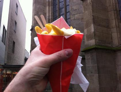 Pommes Frites mit Mayo