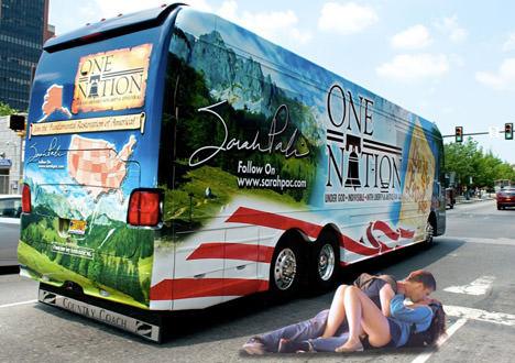 Palin Bus Tour Vancouver Kissers