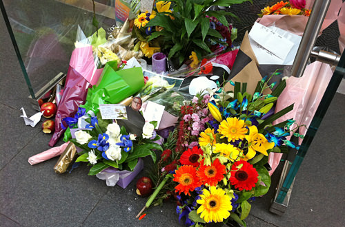 Flowers for Steve Jobs at Apple Store Sydney