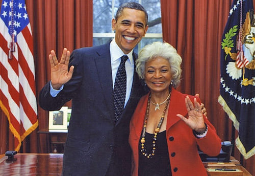 Nichelle Nichols and President Obama give the Spock salute!