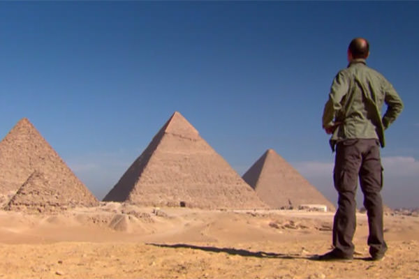 Karl in front of the Great Pyramids