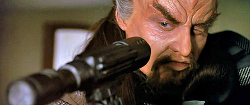 Klingon assassin takes aim...