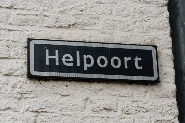 Helpoort Sign