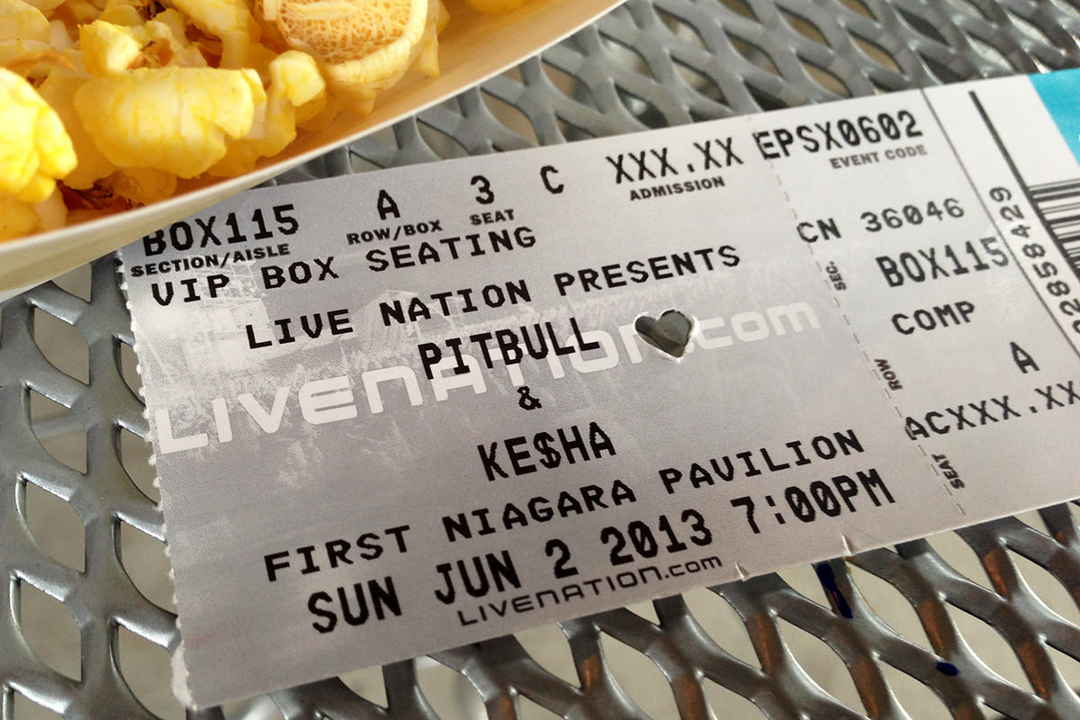 <nobr>Ke$ha</nobr> Ticket!