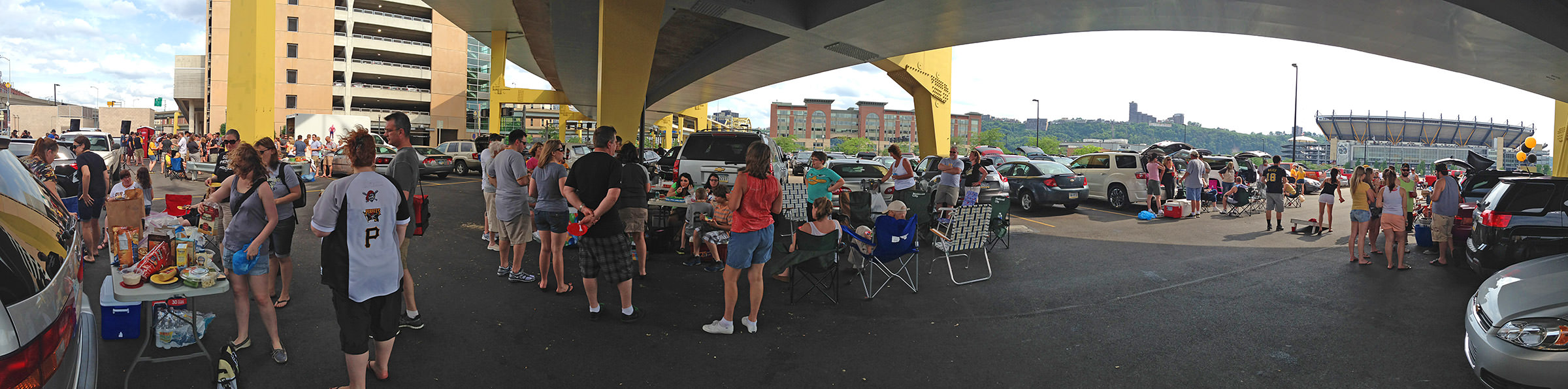 Tailgating Pirates Fans!
