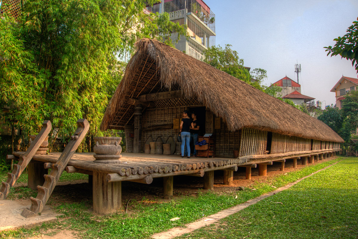 Long Vietnam Building