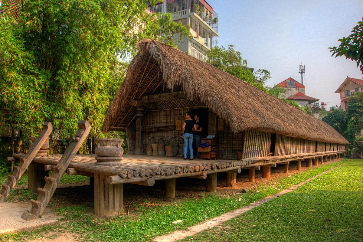 Long Vietnam Building