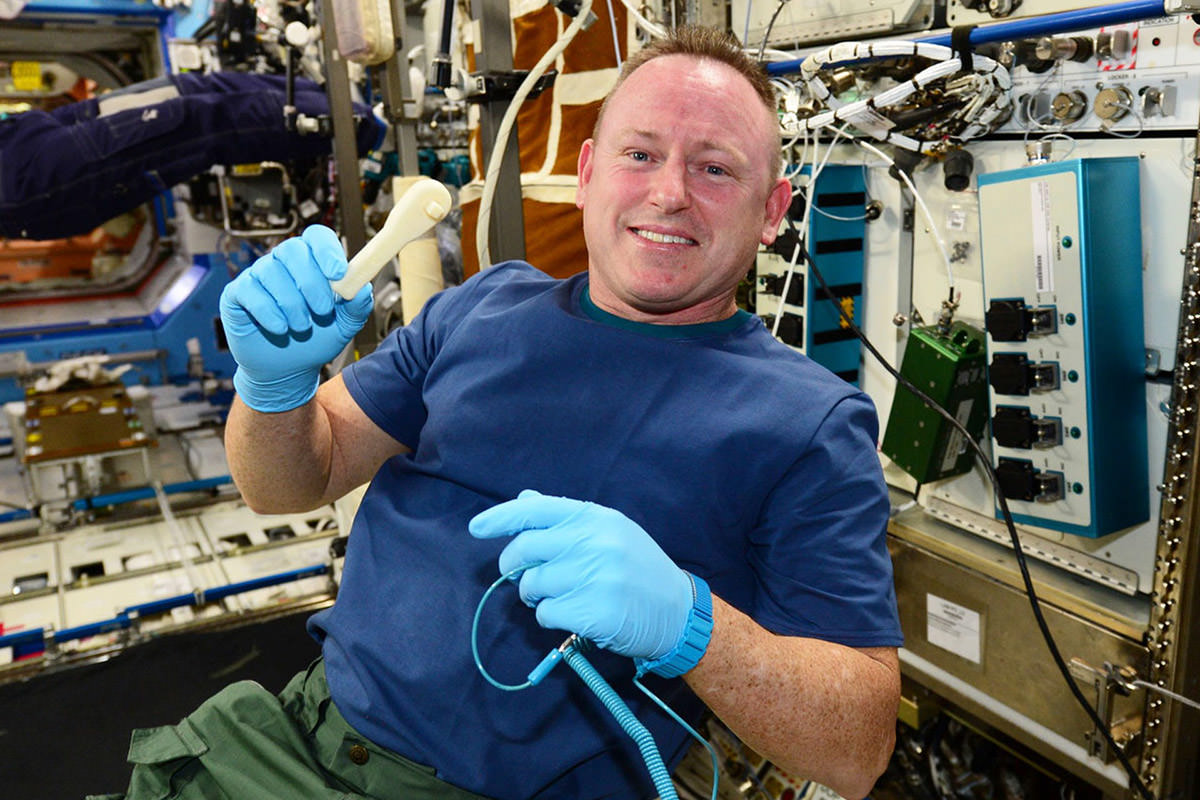 NASA emails a wrench to SPAAAAACE!