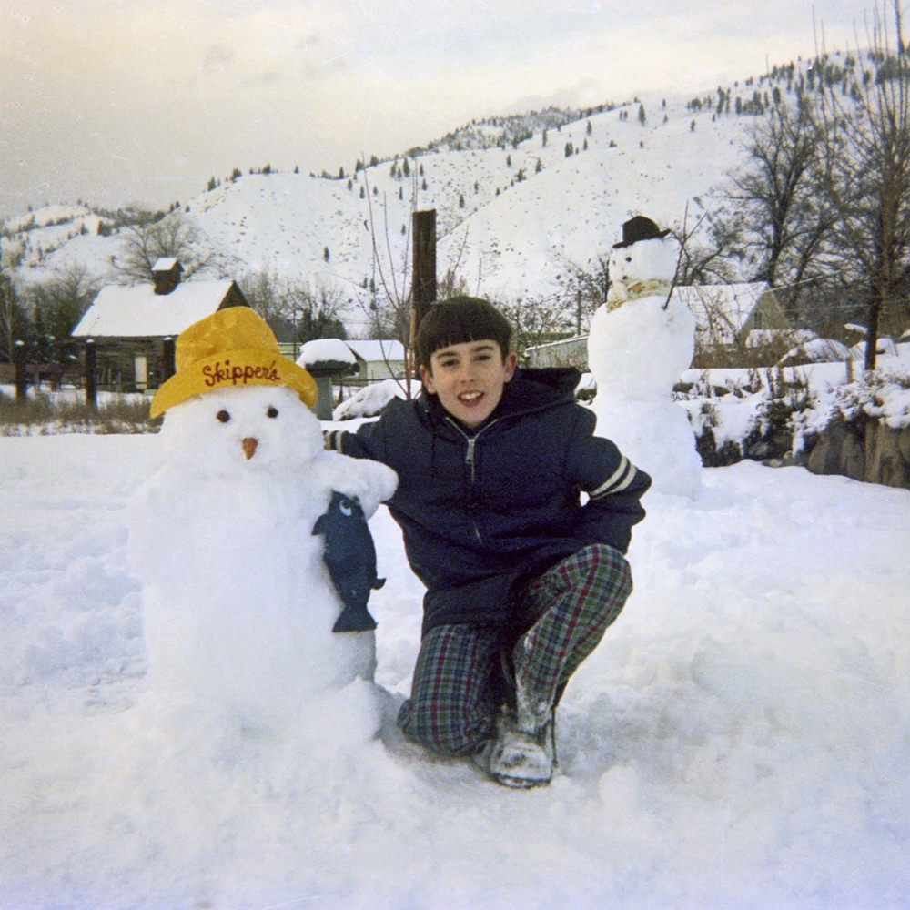 Young Dave Builds a Snowman