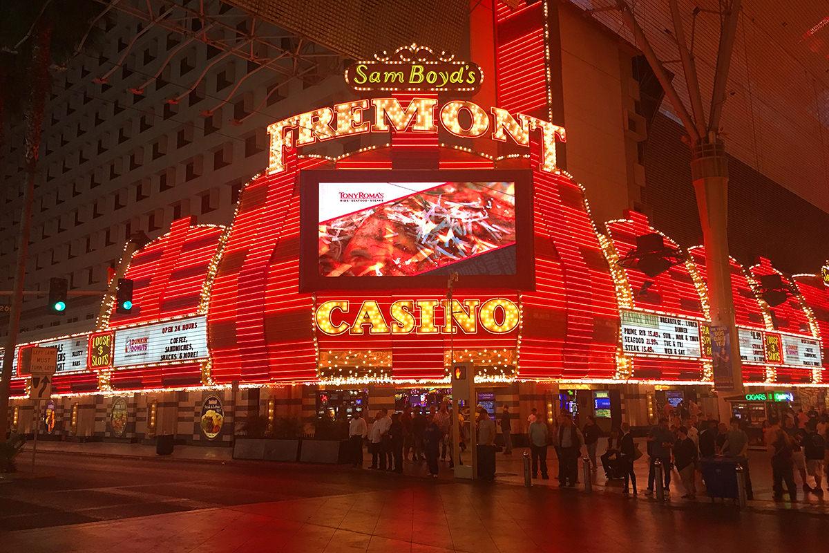 Lowen spielautomat schloss casino online deutschland verdienen