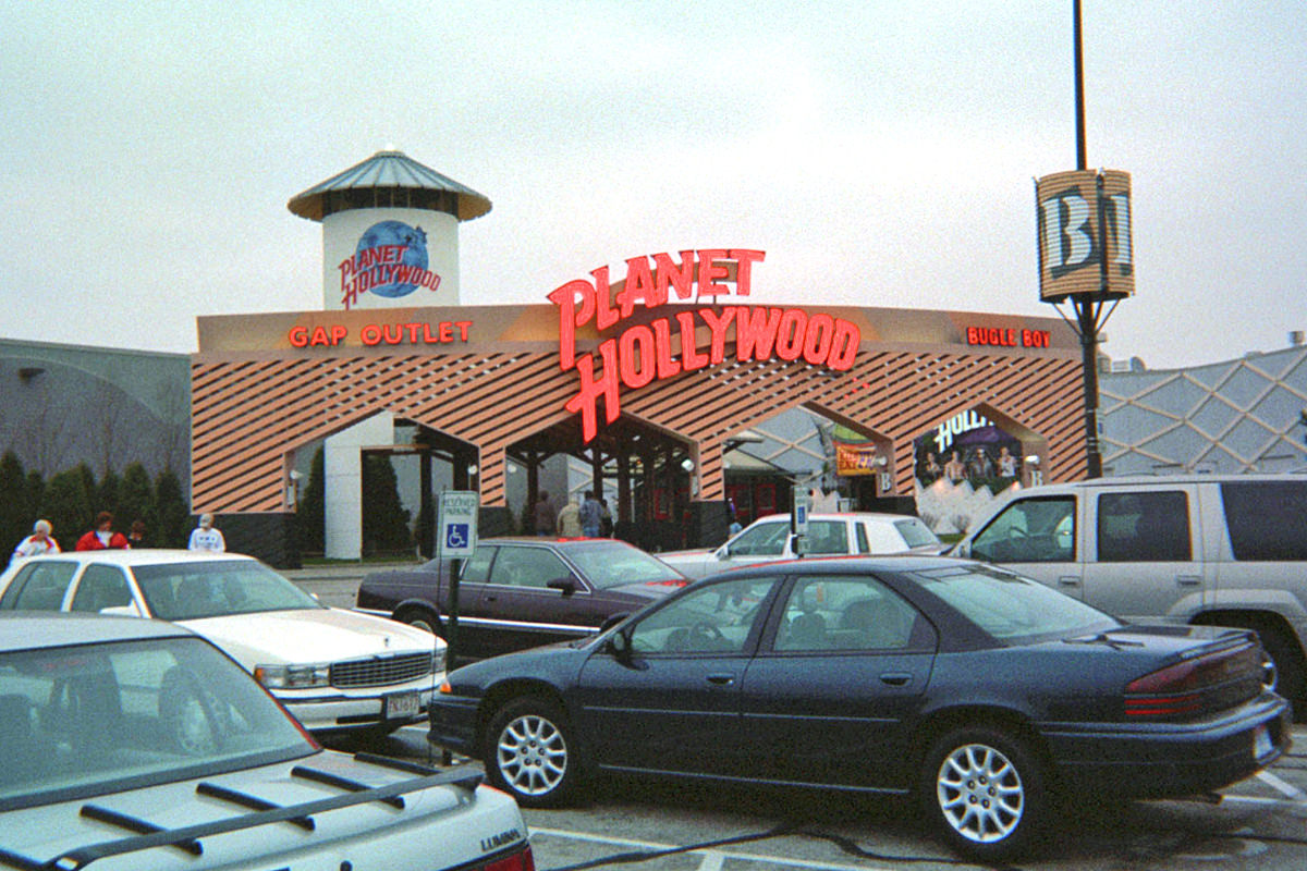 Planet Hollywood Gurnee Mills Outlet Mall
