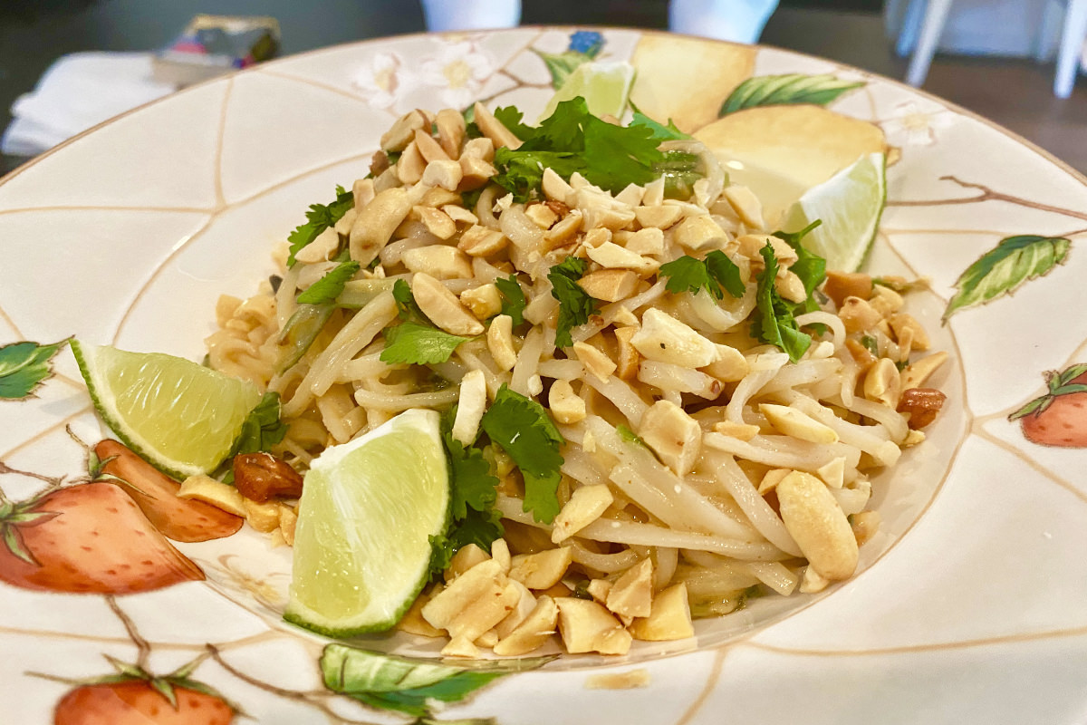 My dinner... rice noodles with cilantro and peanuts on top.