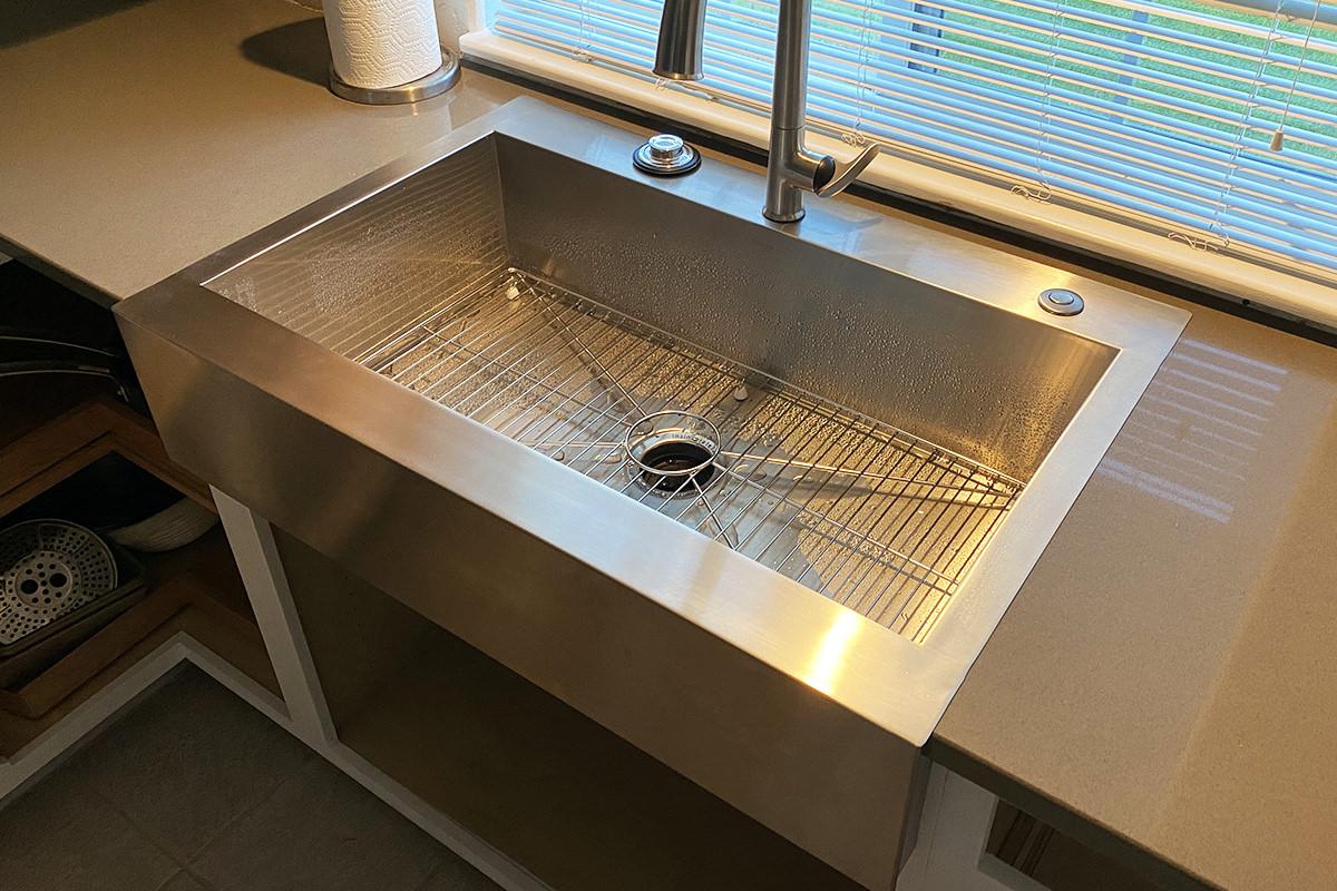 My pretty new sink.